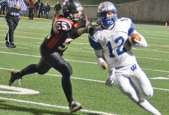 QB Teynor carries Royals on offense