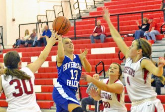 Holderman scores 27 points to lead Falcons past Chieftains