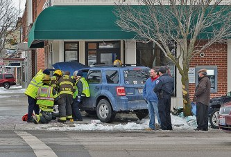 One injured in three-vehicle crash in downtown Upper Sandusky