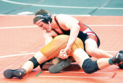 Draper wins consolation match to stay in contention