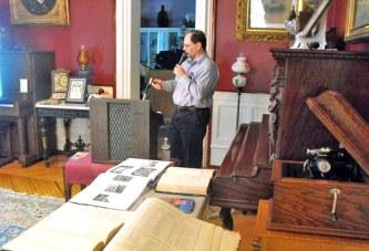 Museum curator: Memorials mark gravesites of Civil War vets