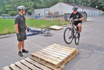 USPD shares bicycling safety tips