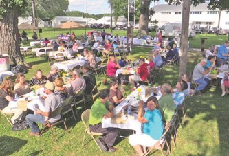 Chamber hosts annual steak fry, live auction