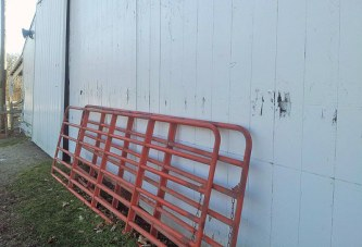 With deteriorating building, horse committee looks to upgrade