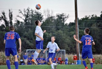 Lauck's late goal gives Falcons draw with Eagles