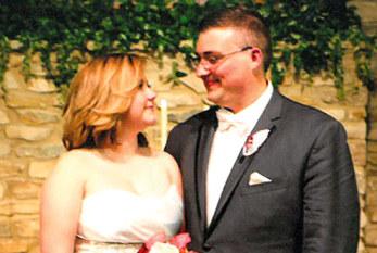 Stebbins, Barth exchange vows