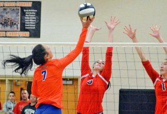 No. 1 seed Edison holds off Mohawk in 5