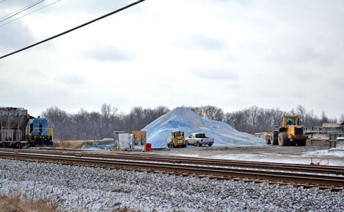 Harpster officials express air, water concerns over salt storage