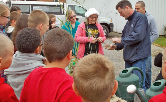 Schools participate in Crawford SWCD conservation field days