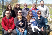 Family of Strubs donates bench