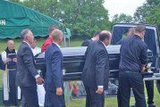 Mourners pay respects to Carey mayor