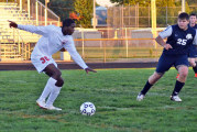 Tornadoes score late to win 4-2