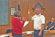 Clinger sworn in as Sycamore chief