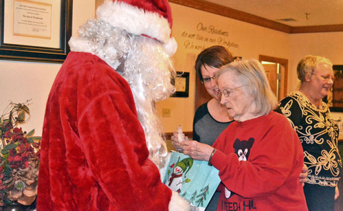 First National Bank of Sycamore brings Christmas cheer to health care communities of Wyandot Co.
