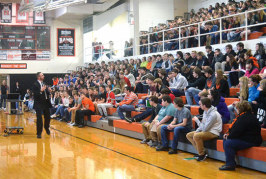Upper High School students learn to take social media to new levels