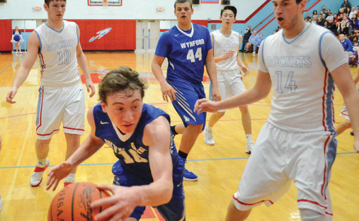 Reed scores 29; Royals hold off Rockets