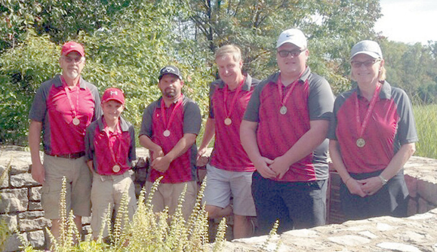 Special Olympics golf medalists